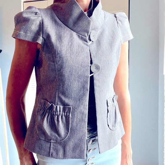 Shortsleeved Tailored Couture Jacket